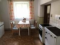 Kuchyň - chalupa k pronájmu Stráž nad Nežárkou