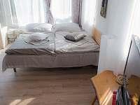 lůžka společenská místnost - chata ubytování Střelské Hoštice