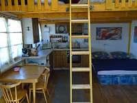 chata zevnitř - k pronajmutí Roštín