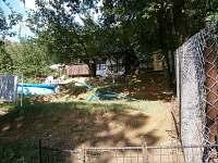 Pohled od lesa - chata ubytování Roštín