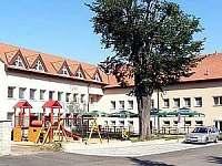 Sokolovna Roštín - pronájem chaty