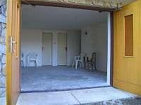 garáž-možno i na sezení - Jackov