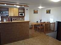 Kuchyňka s posezením - chata k pronájmu Prušánky - Nechory