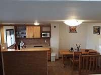 Kuchyňka s posezením - chata k pronajmutí Prušánky - Nechory