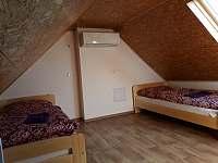 Pokoj ve 2. patře - chata k pronajmutí Prušánky - Nechory