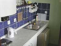 kuchyňka pokoj č. 3 - ubytování Lukov