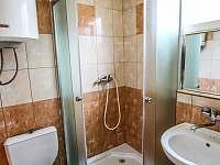 Koupelna v pokoji č.2 - pronájem apartmánu Jevišovice