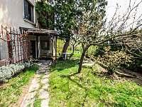 Zahrada a soukromí před Apartmánem č.1 - pronájem Jevišovice