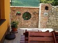 terasa - chalupa k pronájmu Sedlec u Mikulova