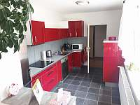 kuchyně - pronájem apartmánu Křtiny