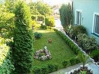 Boční zahrada