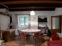 Jídelní stůl - chalupa ubytování Vanovice- Drvalovice