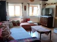 Obývací pokoj - chalupa k pronajmutí Vanovice- Drvalovice