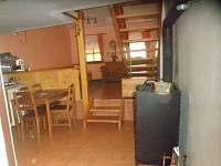 vinný sklep Tereza - kuchyňka + obývací pokoj /2 lůžka/+ sedačka, TV