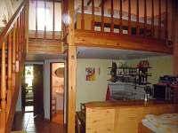 vstup na teresu, soc, zař., kuchyňka, obýv, pokoj,v podkroví ložnice pro 6 osob,