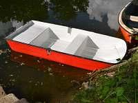 Loďka - zapůjčení zahrnuto v ceně pobytu - pronájem chaty Lančov