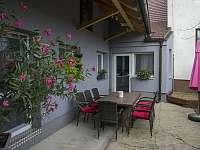 Dvůr - apartmán ubytování Velké Pavlovice