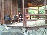 zastřešená terasu u chatky - ubytování Lednice - Nejdek