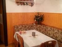 kuchyň - jídelna - chalupa k pronájmu Svatý Štěpán