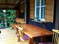 posezení na verandě - chalupa ubytování Svatý Štěpán