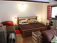 Manželské lůžko + druhá postel