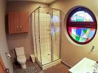 Malý apartmán - koupelna s WC