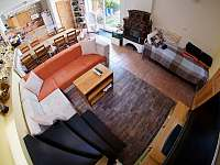Bike chalupa - obývací pokoj s TV - k pronajmutí Zaječí