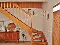 Schodiště do podkroví - apartmán k pronájmu Pavlov