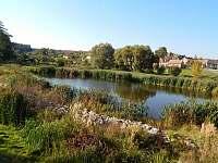 Krásný rybník v Hlubokých Mašůvkách -
