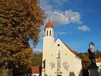 Mašůvecký kostel - Hluboké Mašůvky