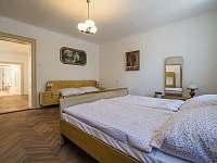 Ubytování ŠRÚFEK - Ložnice 1 - Průhled do kuchyně - chalupa k pronájmu Podivín