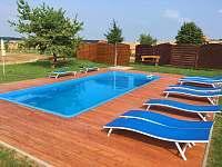 Bazén k dispozici jen ubytovaným - chalupa k pronajmutí Bukovany u Kyjova