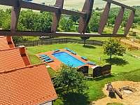 Bazén v areálu - chalupa ubytování Bukovany u Kyjova