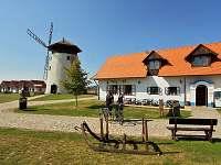 Mlynářská restaurace - chalupa k pronájmu Bukovany u Kyjova