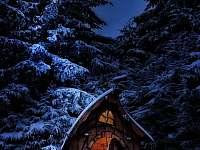 pohádkový domeček v zimě - pronájem chaty Vápenice 12