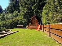 posezení a dětské hřiště - Vápenice 12