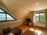 Obývací pokoj s možností dvou přistýlek - apartmán ubytování Pavlov