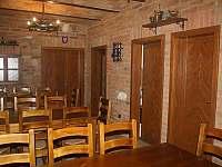 Posezení s vinným sklípkem, kuchyňkou, zázemím a WC - Mikulov - Mušlov