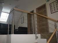 Schodiště a společný prostor s TV - Mikulov - Mušlov