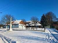 Chalupa v zimě - Lopeník