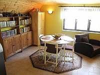 jídelní kout v obývacím pokoji - Těšetice u Znojma