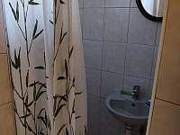 sprchový kout, umývadlo - Těšetice u Znojma