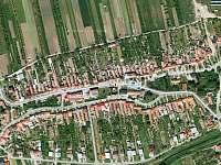 Letecký pohled na Tasov - chalupa k pronájmu