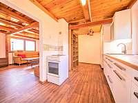 Obývací pokoj propojený s kuchyňkou - Boršice u Blatnice - Hluk