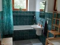 Vila Matylda - samostatná koupelna s vanou - k pronajmutí Klentnice