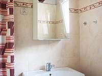 Koupelna - chalupa k pronájmu Maršov
