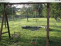 zahrada - chalupa ubytování Bořetice