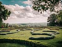 Výhled z Mikulovské zámecké zahrady - Drnholec