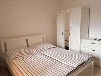 Dobšice - Apartmán č. 2 - ložnice - rekreační dům ubytování Dobšice