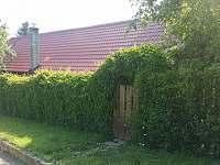 Dům tone v zeleni - chalupa k pronajmutí Kunkovice